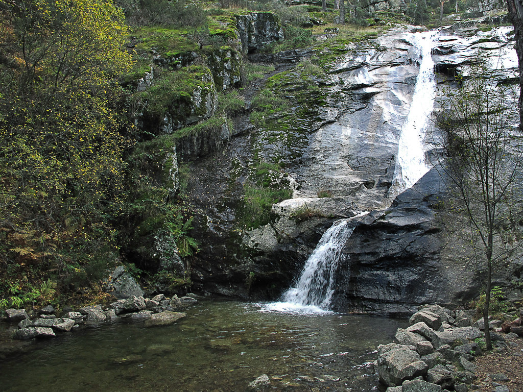 En el coraz n de la sierra de guadarrama parque el for Piscinas naturales navafria