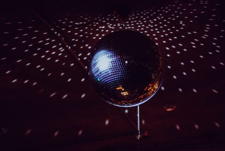 Vive la noche en el Disco-Bar El Patio